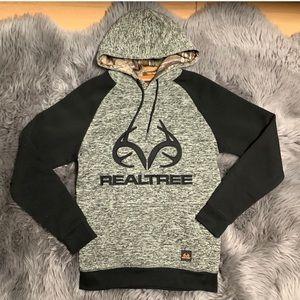 ***NWT*** small men Realtree hoodie